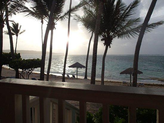 St. James's Club & Villas : Sunrise - Beachfront rooms