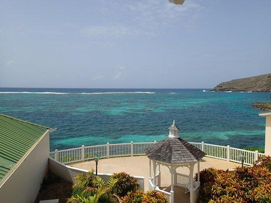 St. James's Club & Villas : Gazebo at Reef Pool