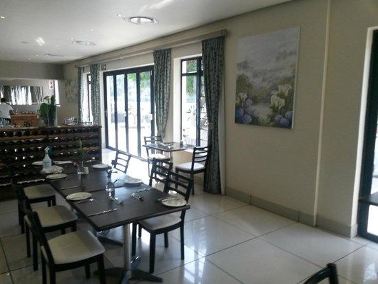 MyPond Hotel: Restaurant