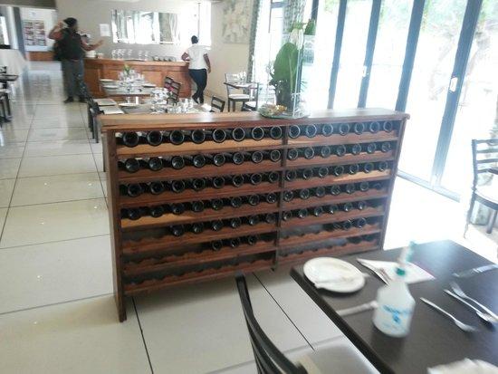 MyPond Hotel: Wine rack