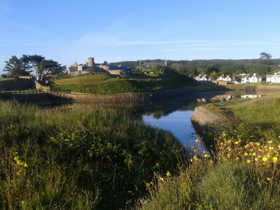 The Pot and Barrel: Bude castle