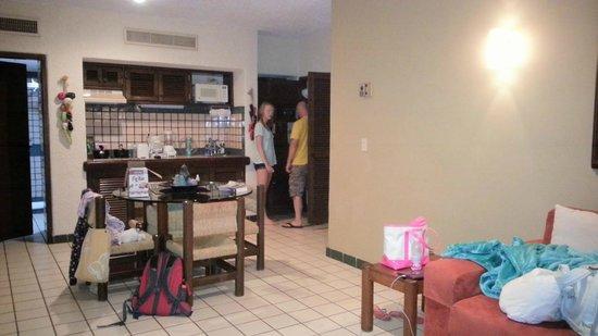 Solmar Resort: Dining room, kitchenette