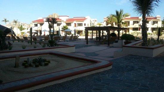 Solmar Resort: Sushi bar to the right