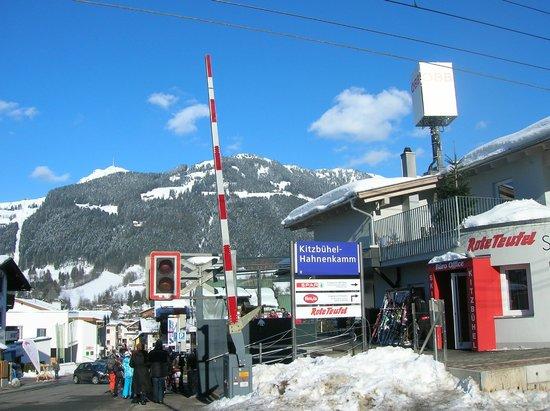 Kitzbuhel Alps Panorama Lift: Chegada à Estação de Esqui