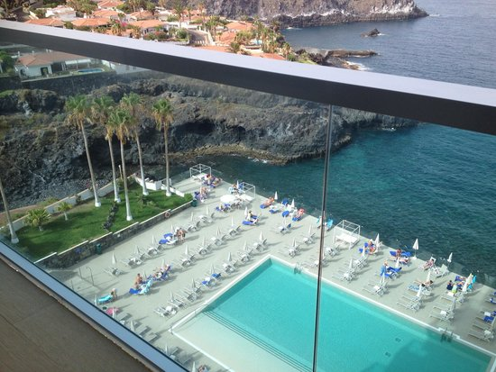 Stil Hotel Sensimar Los Gigantes : Pool and sea view from balcony