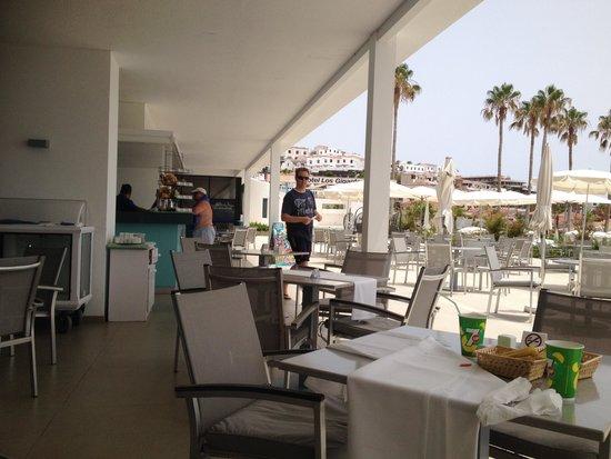 TUI SENSIMAR Los Gigantes : Pool side cafe