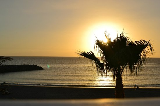Hotel Chatur Playa Real : beach at sunset