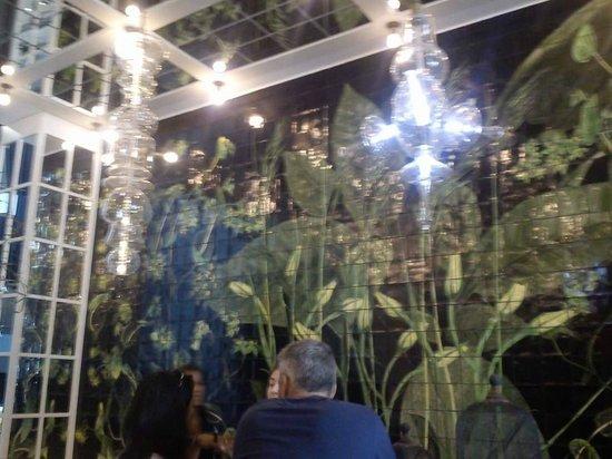 Ofelias Hotel: behind reception