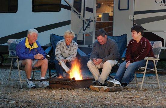 Danforth Bay Camping & RV Resort: Sitting around the campfire