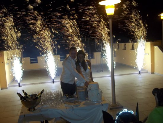 Castro Marim Golf and Country Club: Cutting the Cake on rooftop