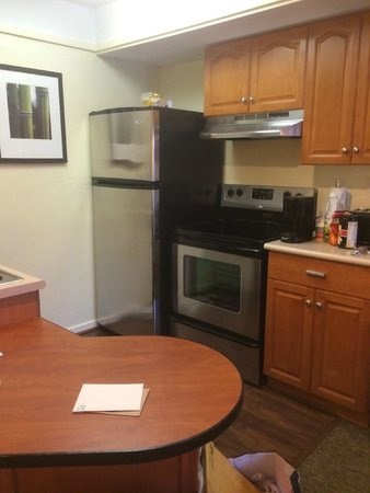 HYATT house Boston/Waltham: Kitchen showing new appliances