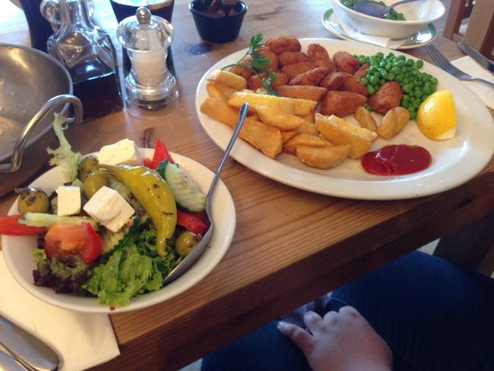 The Fish Factory: Scampi and chips plus a Greek salad ! Happy days.