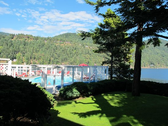 Rosario Resort and Spa: Adult pool with Cascade Bay in rear