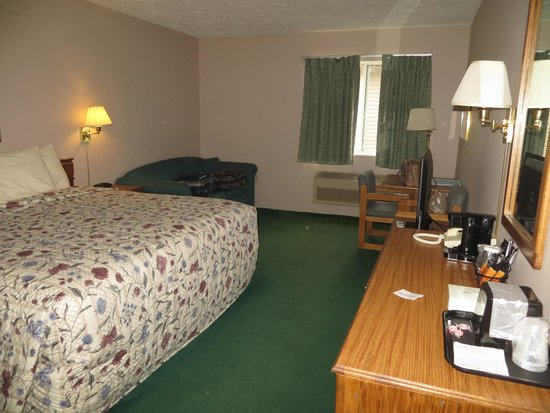 Cedarville Lodge: Well appointed rooms