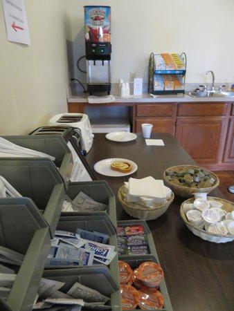 Cedarville Lodge: Breakfast fare