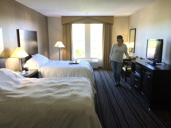 Hampton Inn & Suites Mountain View : Spacious, light filled rooms