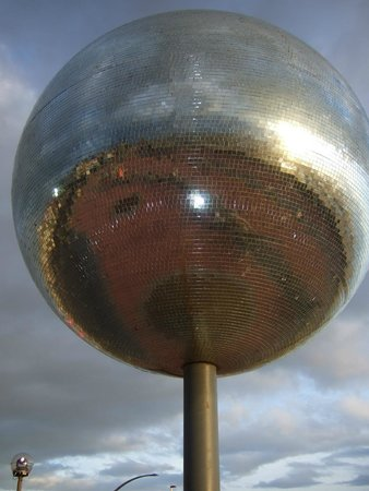 Coast Apartments : famous glitterball at South shore