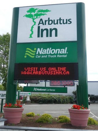 Arbutus Inn : Outside Sign