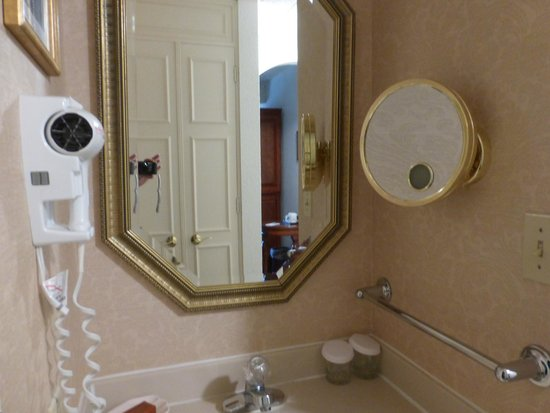 Bavarian Inn: Extra vanity with hair dryer and makeup mirror outside the bathroom.