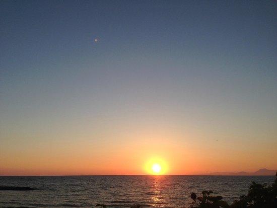 Villa Leucosia : sunset