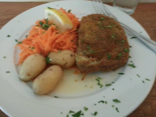 Pingvinen: My fish pie and carrots and potatoes