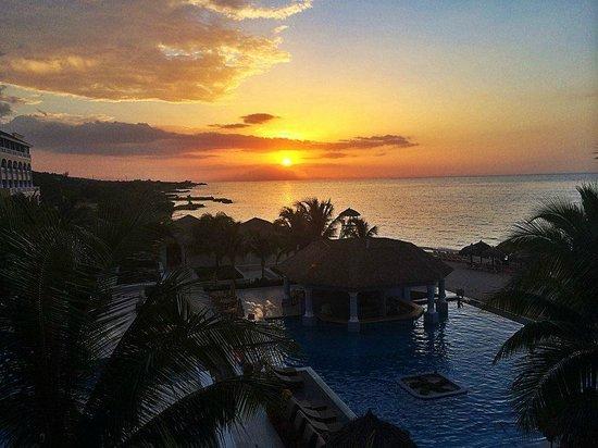 Iberostar Grand Hotel Rose Hall: Sunset from the Balcony