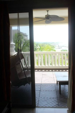 Iberostar Grand Hotel Rose Hall: Swing on the balcony