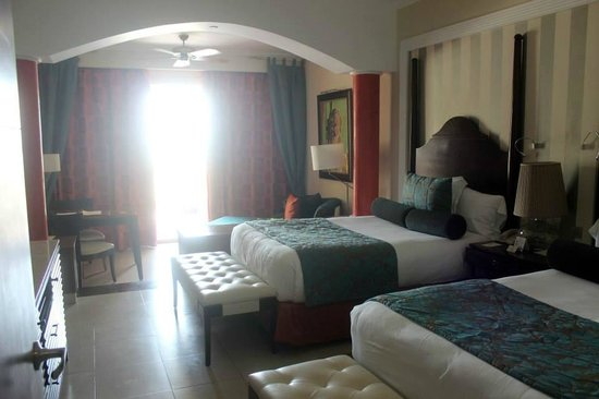 Iberostar Grand Hotel Rose Hall: Oceannview Suite with 2 full beds