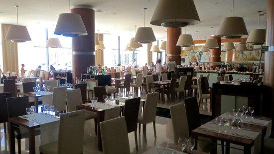Vila Gale Santa Cruz: Buffet Dining