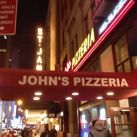 John's of Times Square : Ingresso