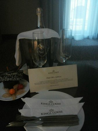 Hotel Kings Court : Birthday gift from the Hotel