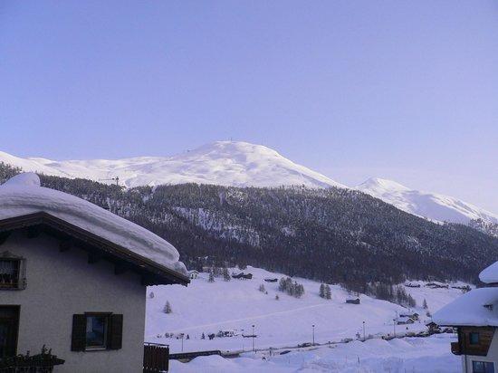 Hotel Piccolo Tibet: Monte della neve from hotel