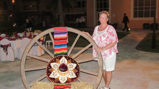 Secrets Capri Riviera Cancún: Mexican Night
