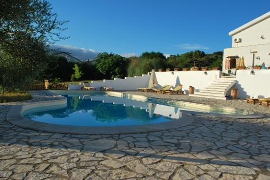 Il Sogno di Alghero : la piscine le matin