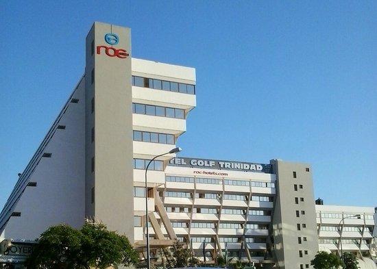 Hotel Roc Golf Trinidad: vista hotel(entrada)
