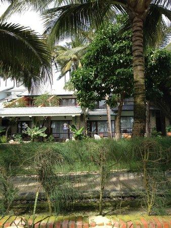 Oriental Pearl Resort : вид на номера