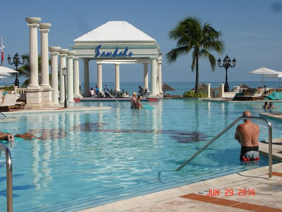 Sandals Royal Bahamian Spa Resort & Offshore Island: One of the many beautiful pools
