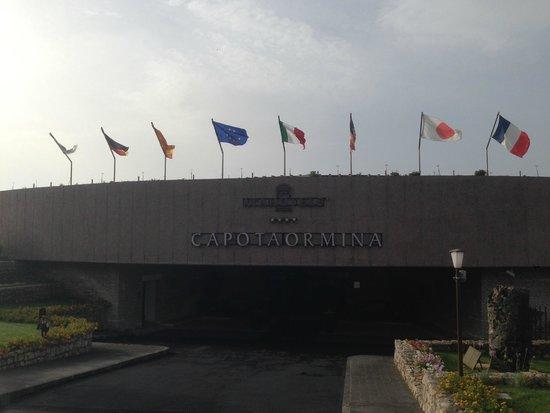 Atahotel Capotaormina : Вход в отель