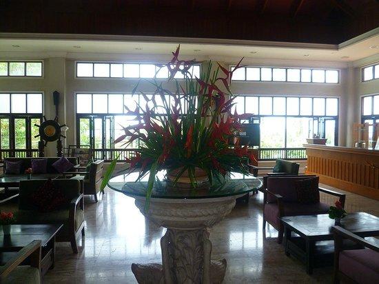 Fair House Beach Resort & Hotel: la hall del resort