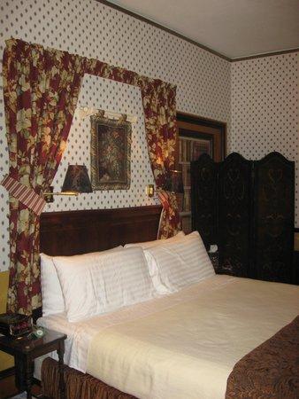 Dunbar House, 1880: Sequoia Room