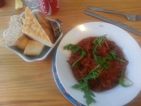 The Clock House: Chilli with selection of Breads - YUMMY!!!