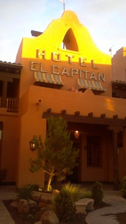 Hotel El Capitan: Entrance