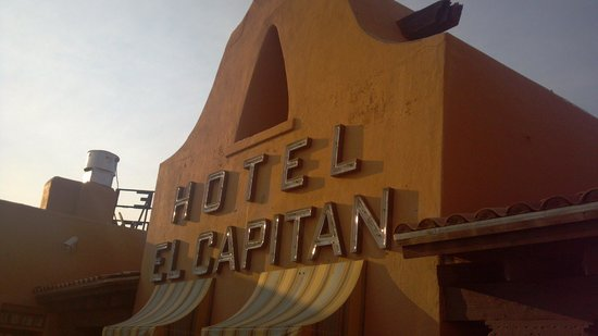 Hotel El Capitan: Sign as seen from room