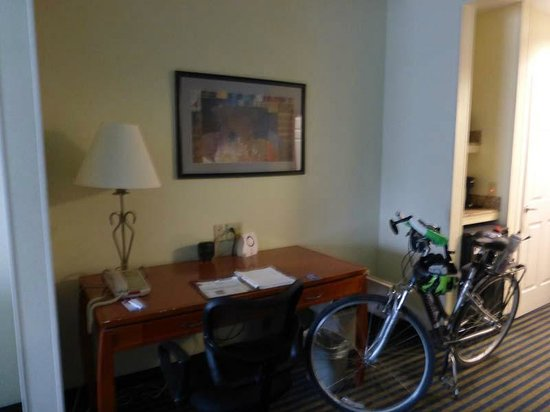 Comfort Suites Leesburg : Difficult to see, but there are multiple outlets available on the desk.