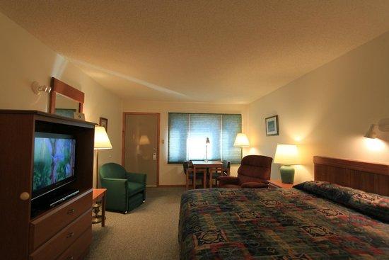Nisswa Motel: King whirlpool room