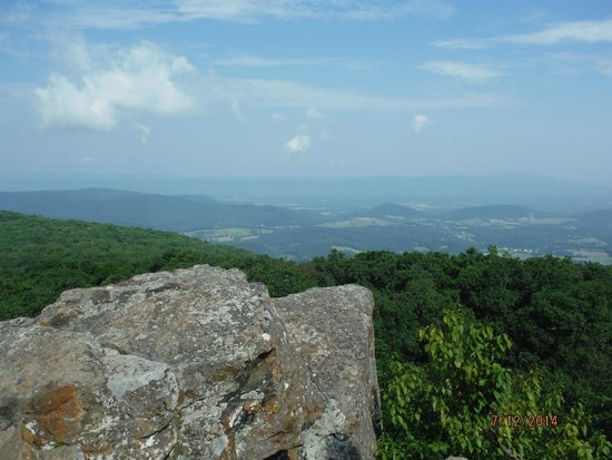 Appalachian Trail: Rock Outcropping