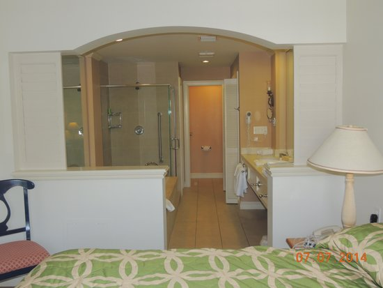 Hyatt Beach House Resort: Hotel - Master Bath