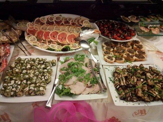 Villa Lalla: Buffet notte rosa 2014
