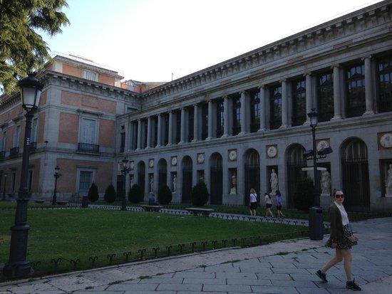 Statue of Valasquez - Picture of Prado National Museum, Madrid - TripAdvisor
