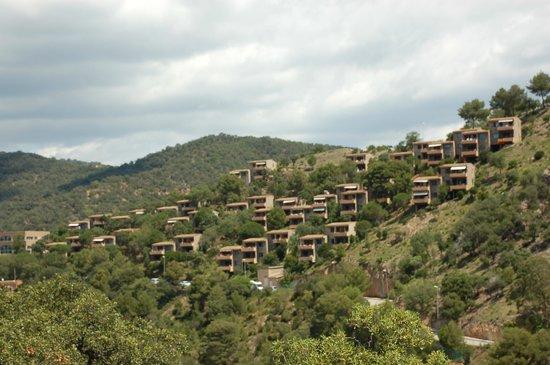 Giverola Resort: zicht op de appartementen